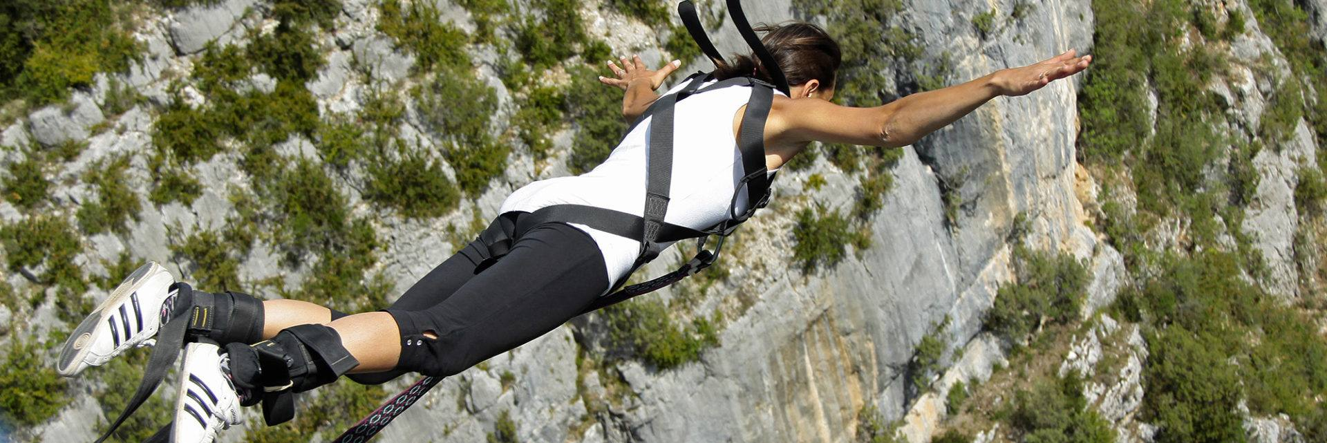 Bungee jumping in the Verdon