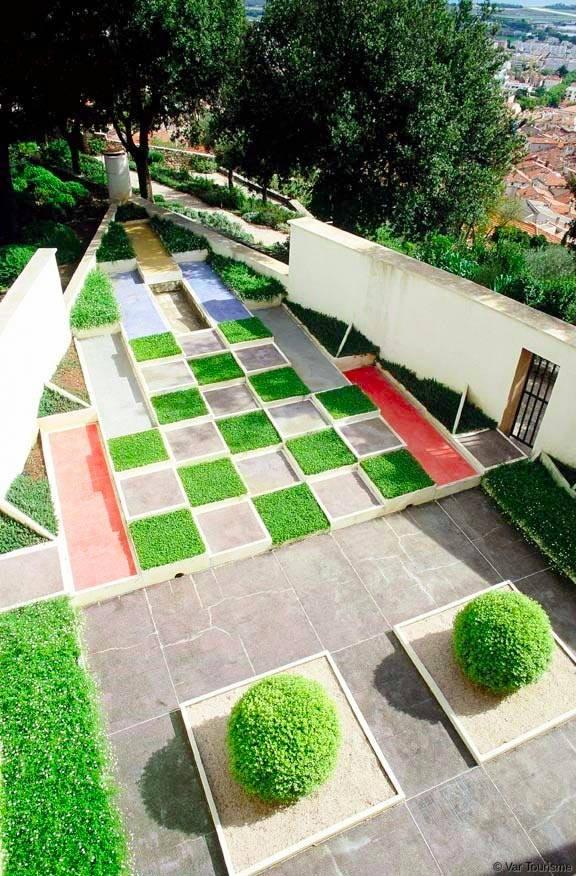 La villa noailles for Jardin villa noailles hyeres