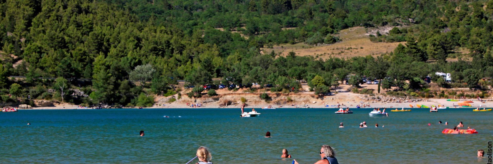 Aiguines canoe lac vegetation plage baignade var